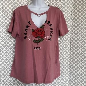 Adam Levine mauve pink rose Heart Breaker band tee